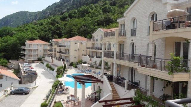 Kotor Vista Apartment Complex